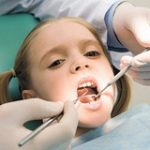 Молочні зуби треба лікувати