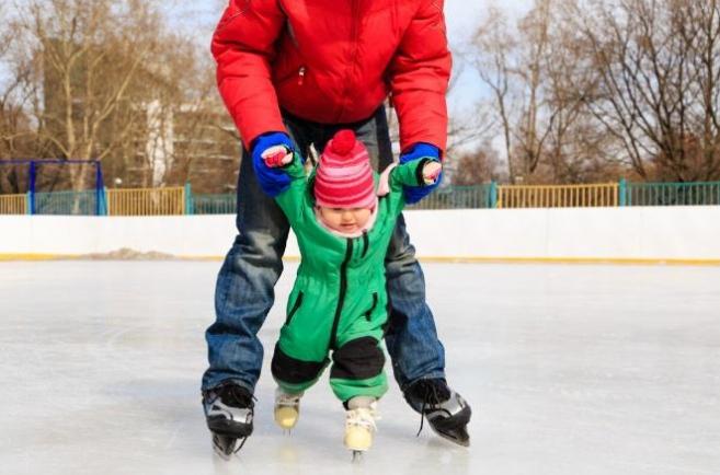 Научите кататься ребёнка на коньках за 10 шагов